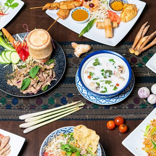 Bord med mat